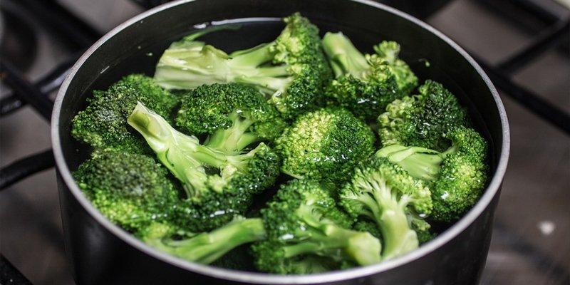 how long does broccoli last
